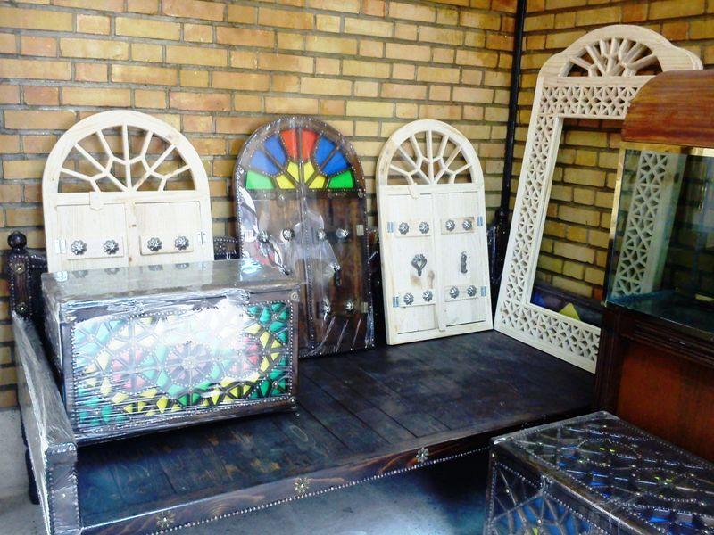 مبلمان سنتی چوبی تخت باغی 01