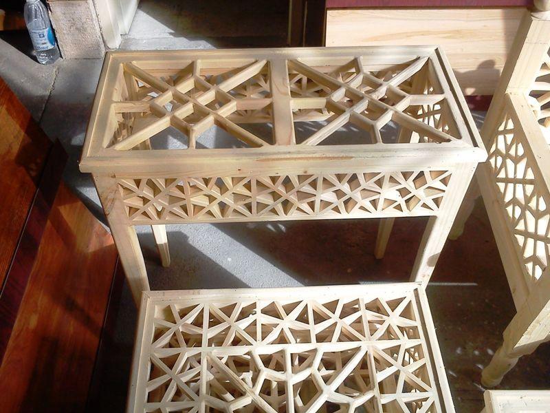 مبلمان سنتی چوبی تخت باغی 06