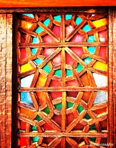 مبلمان سنتی چوبی تخت باغی دکوراسیون سنتی فن و هنر ایران زمین تخت سنتی گره چینی