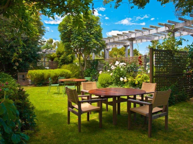 بهترین انواع چوب برای مبلمان فضای باز و پروژه های باغ چیست ؟