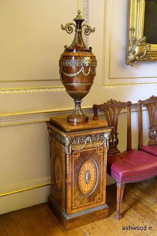 پایه و کوزه (یکی از جفت ها) ، اواسط دهه 1700 ، برای استفاده به عنوان گرم کننده صفحه - اتاق ناهارخوری ایالتی - Harewood House