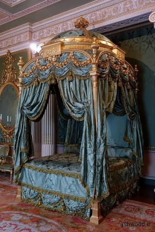 تختخواب سلطنتی ، 1773 ، چوب های منبت کاری شده و حکاکی و مروارید ، داماس ابریشم ، اتاق خواب سلطنتی - Harewood House