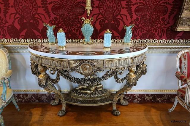 میز کنسول و آینه (یکی از یک جفت) ج. 1779 ، تخته سنگ مروارید با روکش مرمر و گلدان - گالری - خانه هاروود