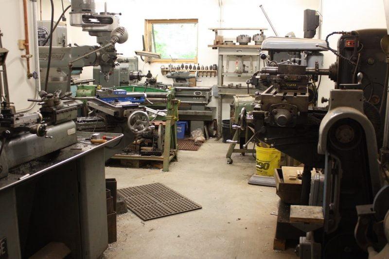 منطقه کار ساخت میزهای دست ساز