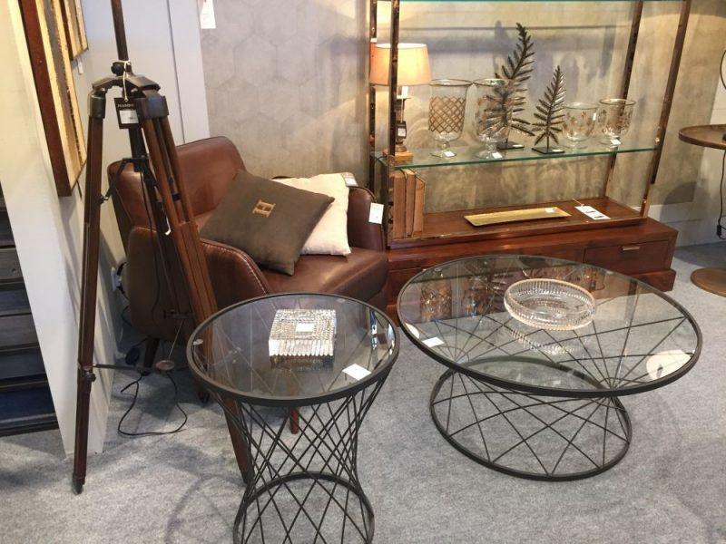 میزهای جلو مبلی شیشه ای و چوبی