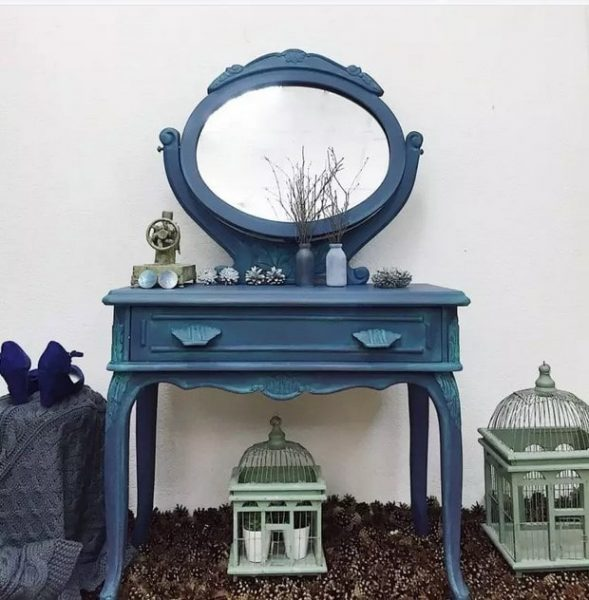 میز آرایش آبی
