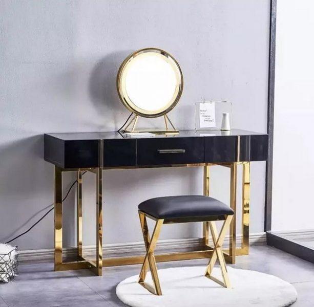 میز آرایش طلا