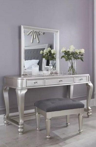 میز آرایش نقره ای