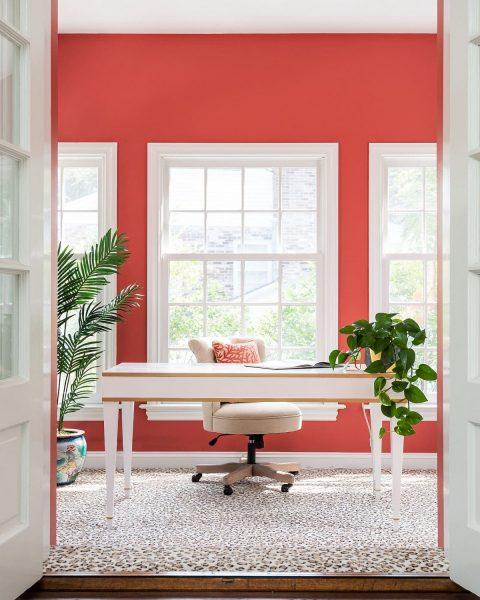 میز تحریر چوبی سفید