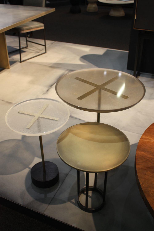میزهای جلو مبلی چوبی با صفحه شیشه ای گرد