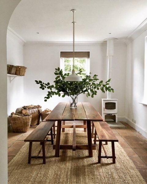 میز غذاخوری با صندلی های نیمکتی