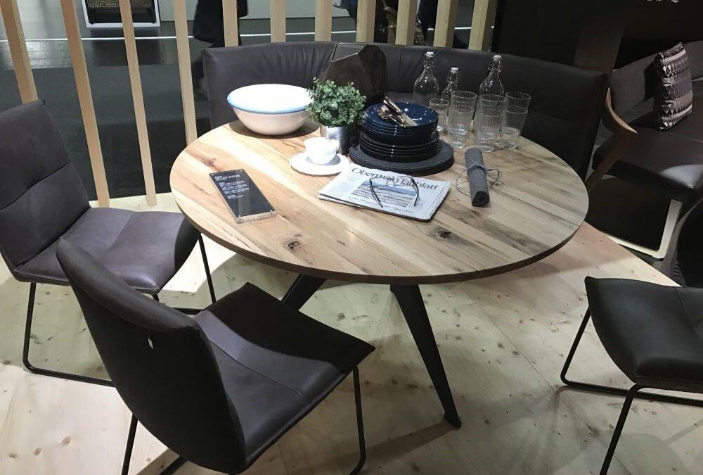 میز ناهارخوری کوچک