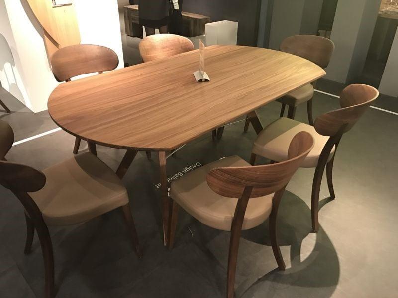 میز ناهار خوری چوبی بیضی شکل و مستطیل شکل
