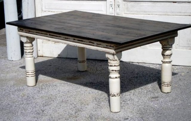 میز نهارخوری آنتیک , رنگ کرم و قهوه ای , دکوراسیون چوبی