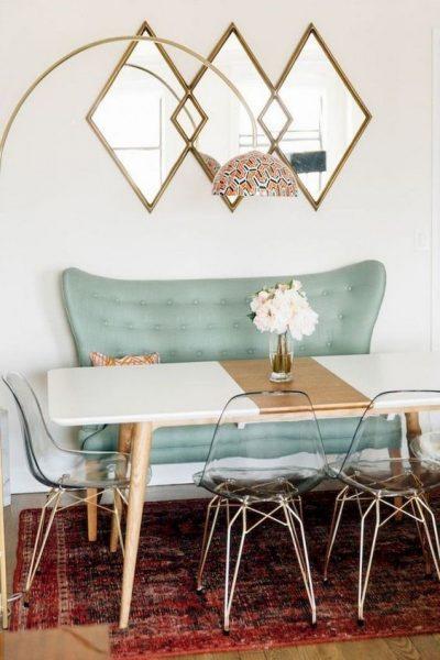 میز و نیمکت آبی رنگ
