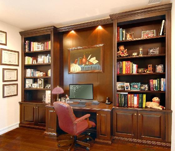 میز تحریر و قفسه بزرگ کتاب با چوب راش و ام دی اف روکش چوب طبیعی با رنگ گردویی