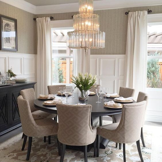 میز گرد برای دکوراسیون خانه بهتر است یا مربع؟