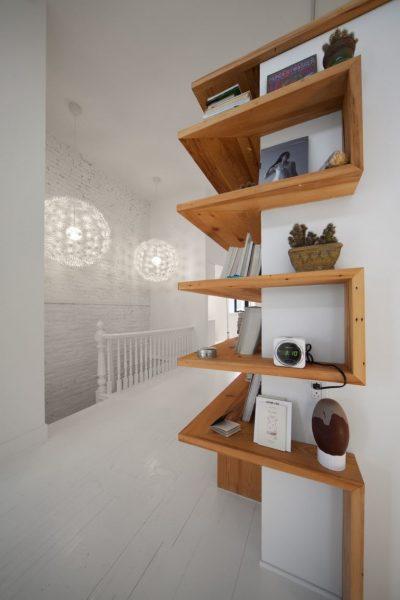 نمونه قفسه گوشه ای با استفاده از هنر معماری