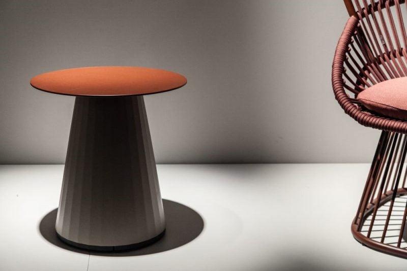 نمونه میز به شکل قارچ