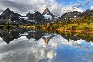 تصاویری از یک دریاچه فوق العاده زیبا