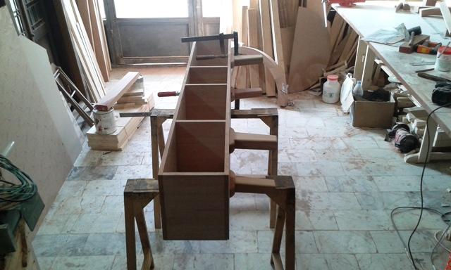 میز تلویزیون بعد از نصب پایه