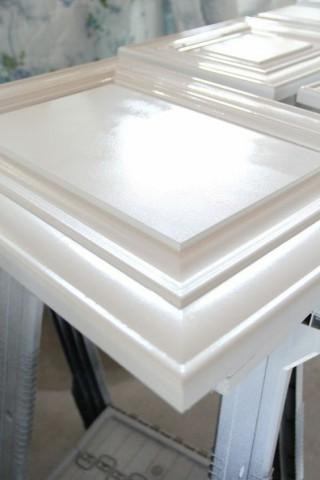 راه های جلوگیری از تغییر رنگ درب چوبی
