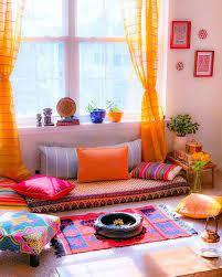 پرده های رنگی و سنتی