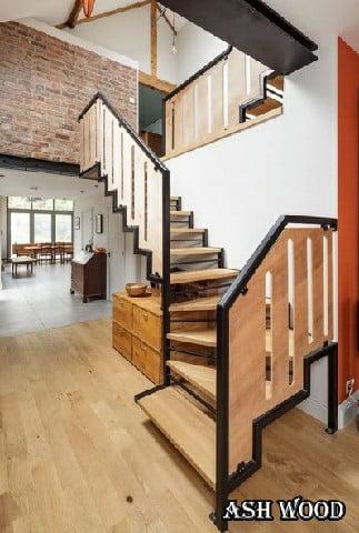پله چوبی مدرن