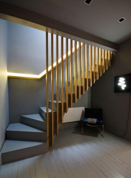 پله های چوبی بادگیر