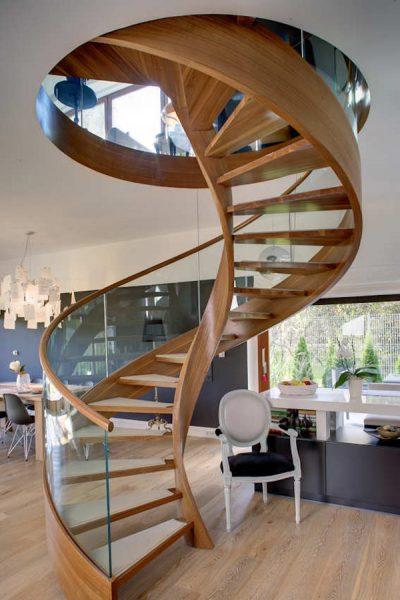 پله های چوبی مدور