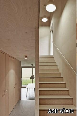 انواع چوب مناسب پله چوبی