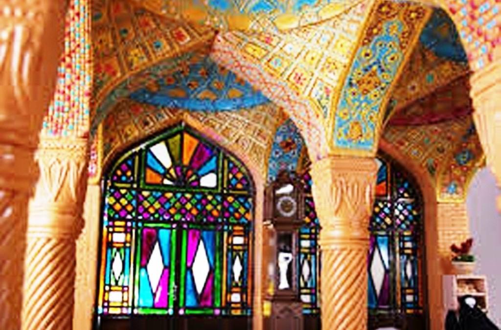 پنجره ارسی، بازی رنگ و نور در دکوراسیون داخلی