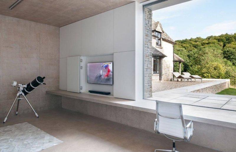 پنهان کردن تلویزیون در داخل یک دیوار ساده