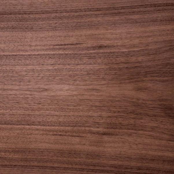 چوب گردو برای میز اداری