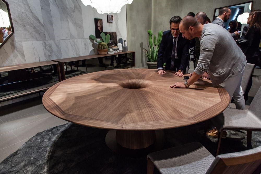 آشنایی با مبلمان چوب گردو بسیار با ارزش, میز و صندلی و دکور چوبی