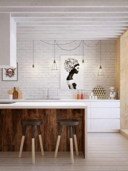 کفپوش و میز چوبی برای دکوراسیون منزل