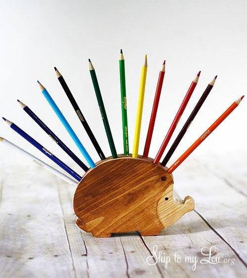 کاردستی و جامدادی چوبی دست ساز