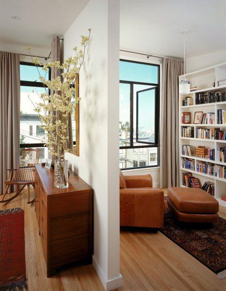کتابخانه سفید چوبی