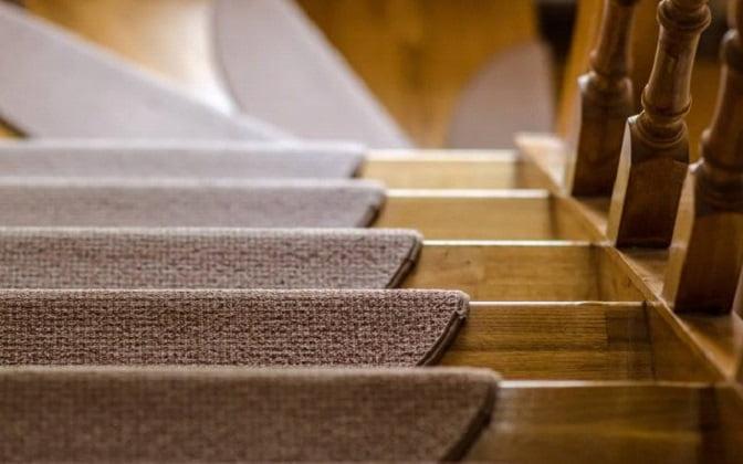 دماغه و لب پله , کف پله چوبی