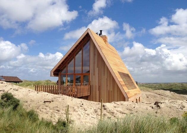 کلبه چوبی با معماری زیبا