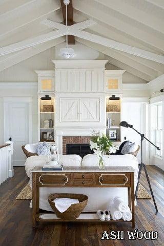 کلبه چوبی سفید