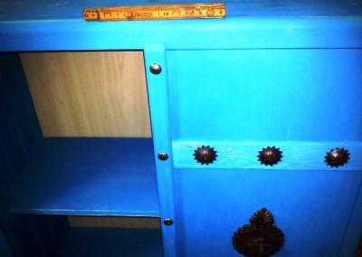 کمد چوبی آبی فیروزه ای دکوراسیون گالری عکس کارگاه خاوران