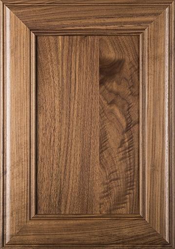 در چوبی ساخته شده از چوب درخت گردو