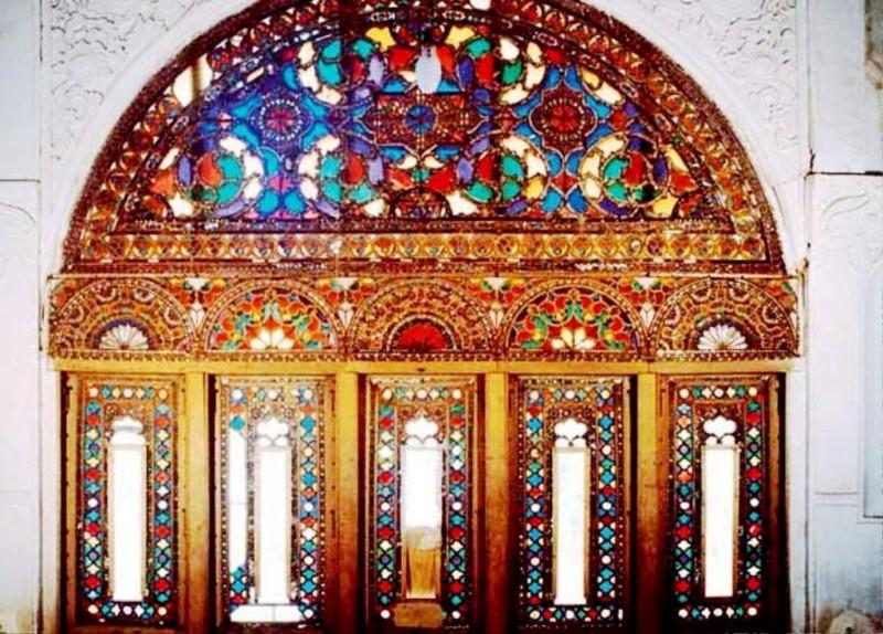 پنجره ارسی , گره چینی و پنجره ارسی حسینیه امینی ها شهر قزوین عکس گره چینی