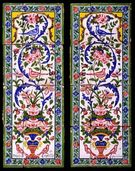 دو باریکه کاشی از جنس سفال، رنگ آمیزی شده (طرح گل و مرغ) با لعاب رنگی بر روی لعاب سفید متعلق به نیمه نخست سده ۱۹ میلادی