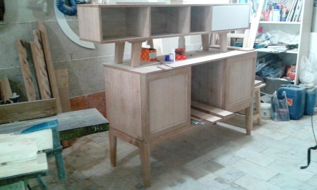 کنسول چوبی و میز تلویزیون چوبی در حال ساخت در کارگاه فن و هنر ایران زمین