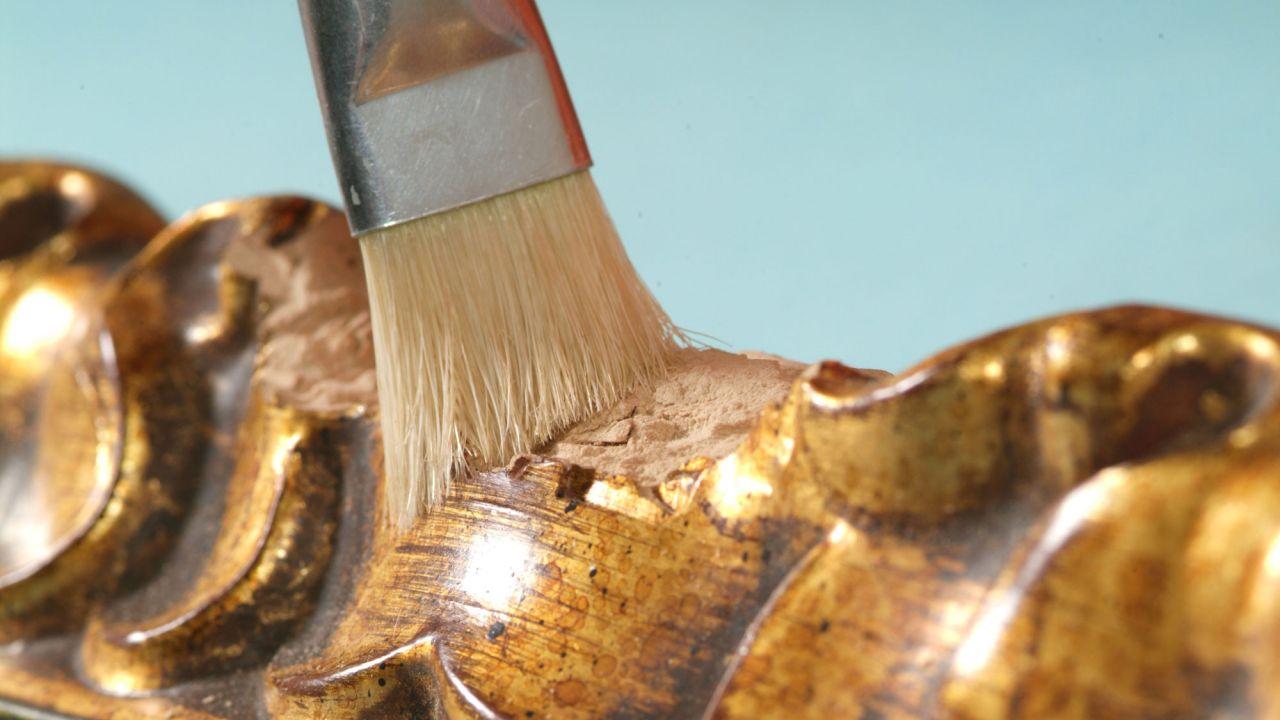 مرمت اثار هنری ورق طلا