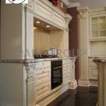 درب کابینت کلاسیک , رنگ سفید با پتینه قهوه ای و پوشش سفید پولیشی لاک براق