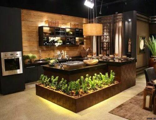 کابینت آشپزخانه چوب خالص با فضای سبز در دکوراسیون داخلی