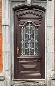 درب چوبی با قاب و روکوب